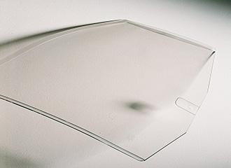 Le traitement anti-abrasion confère aux vitrages Cleargard une résistance aux rayures et assure une qualité optique optimale.