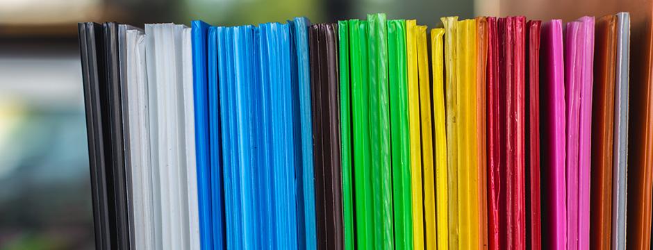 Plastrance utilise de nombreuses matières plastiques pour le thermoformage et la fabrication de pièces sur-mesure : polycarbonate (PC), méthacrylate, PMMA, ABS, polystyrène,…