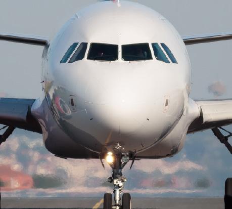 Plastrance fabrique des pièces plastiques sur mesure pour le domaine de l'aéronautique.