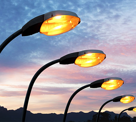 Plastrance met son expertise en thermoformage pour fabriquer sur-mesure des pièces plastiques de luminaire : vasque d'éclairage, enjoliveur, verre pour des éclairages intérieurs/extérieurs.