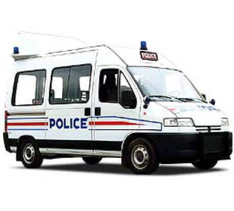 Grâce à son savoir-faire en thermoformage, Plastrance est devenu l'équipementier des véhicules des forces de l'ordre (police et gendarmerie).